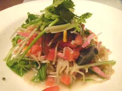 ピータンと紅芯大根・水菜の塩酢涼麺