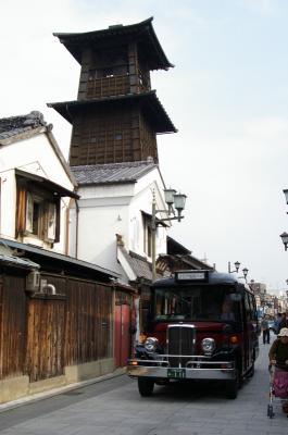 時の鐘と周遊バス