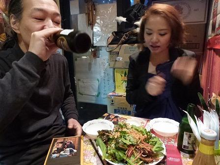 カンボジア料理【ニャムニャム食堂】にてvo三田裕子さんg村山義光氏