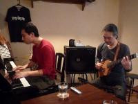 g村山義光講師とピアノ受講者