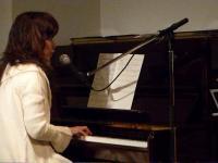 vo田中智子さんピアノ弾き語り