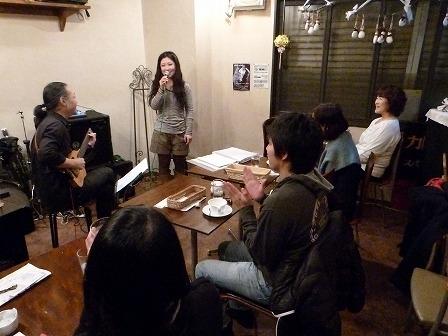 g村山義光講師とベース受講者とボーカル受講者
