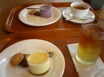紫いものプリン&カスタードプリン&アールグレイりんごジュース