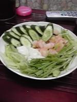 エビ水餃子サラダ