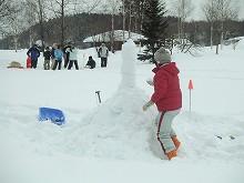 090207雪積み競争