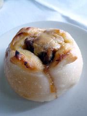 品川・ecute(エキュート)内の小麦と酵母 満(みつる)のパン。