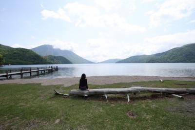 湖のほとりにて