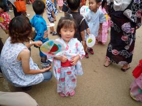 幼稚園の盆踊り