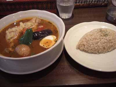 薬膳スープ・チキン(チーズ・ホールトマトトッピング)