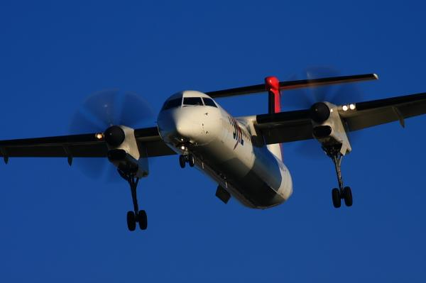 JAC DHC8-Q400 3X2336@東水門(by 40D with EF100-400)