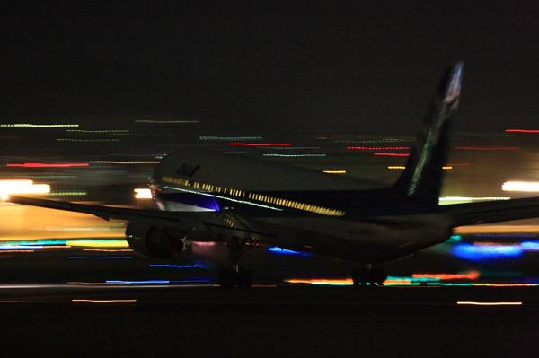 ANA B767-381 NH509@伊丹スカイパーク(by 40D with EF100-400&三脚)