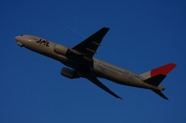 JAL B777-246 JL126@猪名川土手(by 40D with EF100-400)