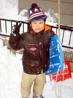 雪遊びが得意なかーくん