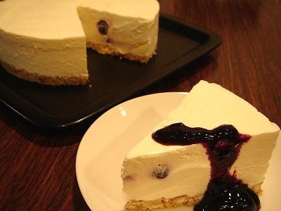 ババロア風ブルーベリーレアチーズケーキ