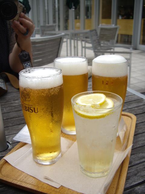 ビールとジュースで乾杯