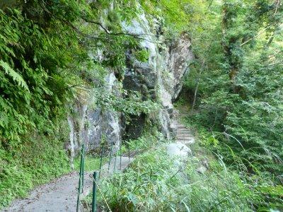 黒薙温泉へ向かう路