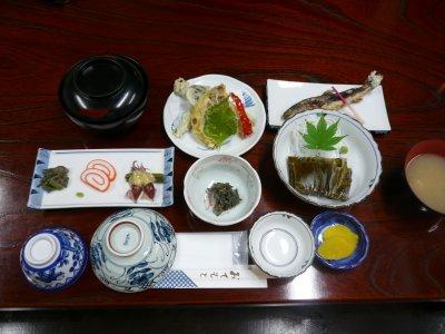 山菜中心の晩ご飯