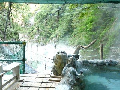 峡谷美楽しめる女性専用風呂