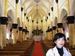 ザビエル教会内