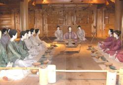 主祭殿の中会議風景