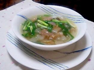 すじ肉とダイコンのスープ