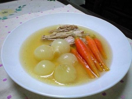ペコロスと鶏のスープ