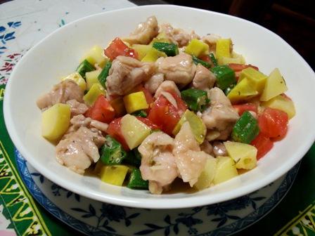 お野菜いっぱいの鶏サラダ