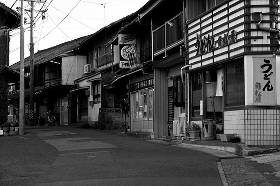瀬戸モノクロ3-8