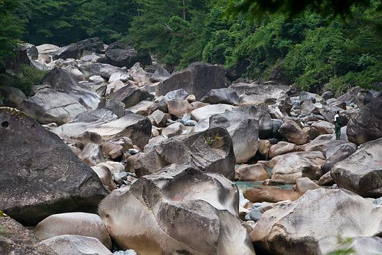 阿寺川と奇岩風景