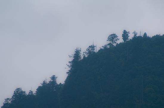 阿寺渓谷山並み