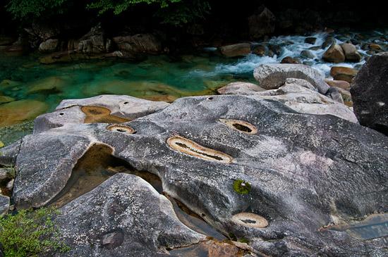 阿寺渓谷ブルーと甌穴