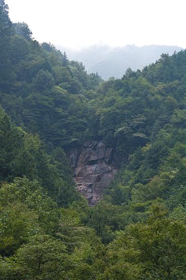 阿寺渓谷雨現の滝