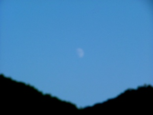 DSCF0359 定山渓月