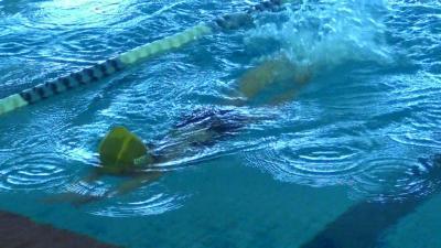 泳ぐ第一子