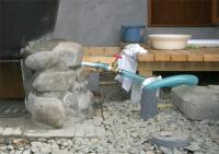 排水管から排水孔へ