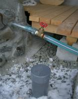 凍った排水管