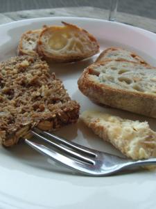 パンとチーズと
