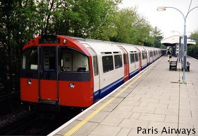 TUBE ロンドン 地下鉄