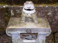 慈眼堂 墓所前の置物