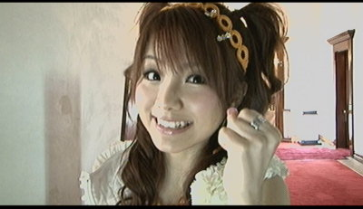 田中麗奈誕生。