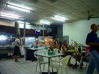 プーケット レストラン タウン ローカル
