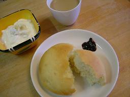 ミルクパンで朝食♪