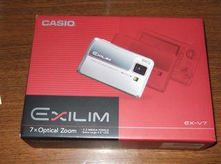 EXILIM V7