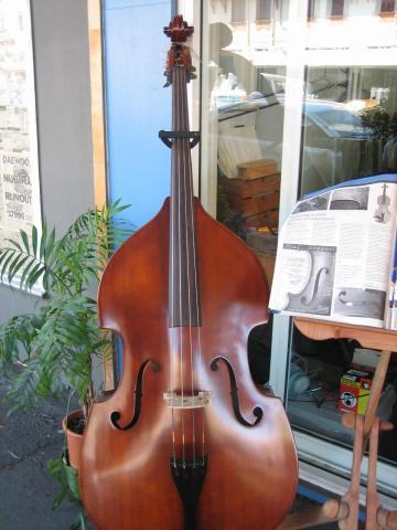 楽器屋さん