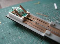 GMの集電板は都合のいい形なのでした。