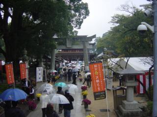 太宰府天満宮正門までの道のり(太鼓橋から撮影)