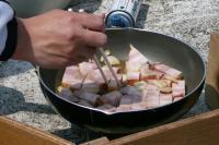 厚切りベーコンのオリーブオイル炒めガーリック風味