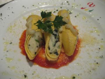 白身魚と法連草、リコッタチーズの詰め物 カネロニ