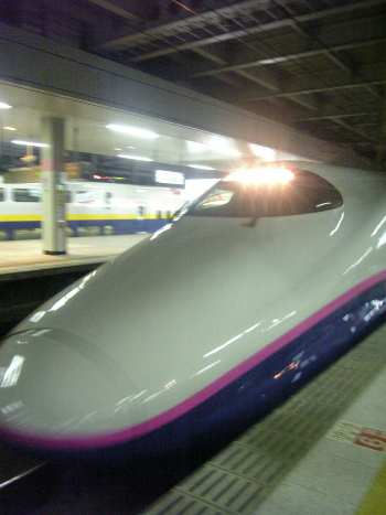 帰り仙台駅で新幹線はやて