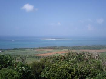 小浜島から見るカヤマ島